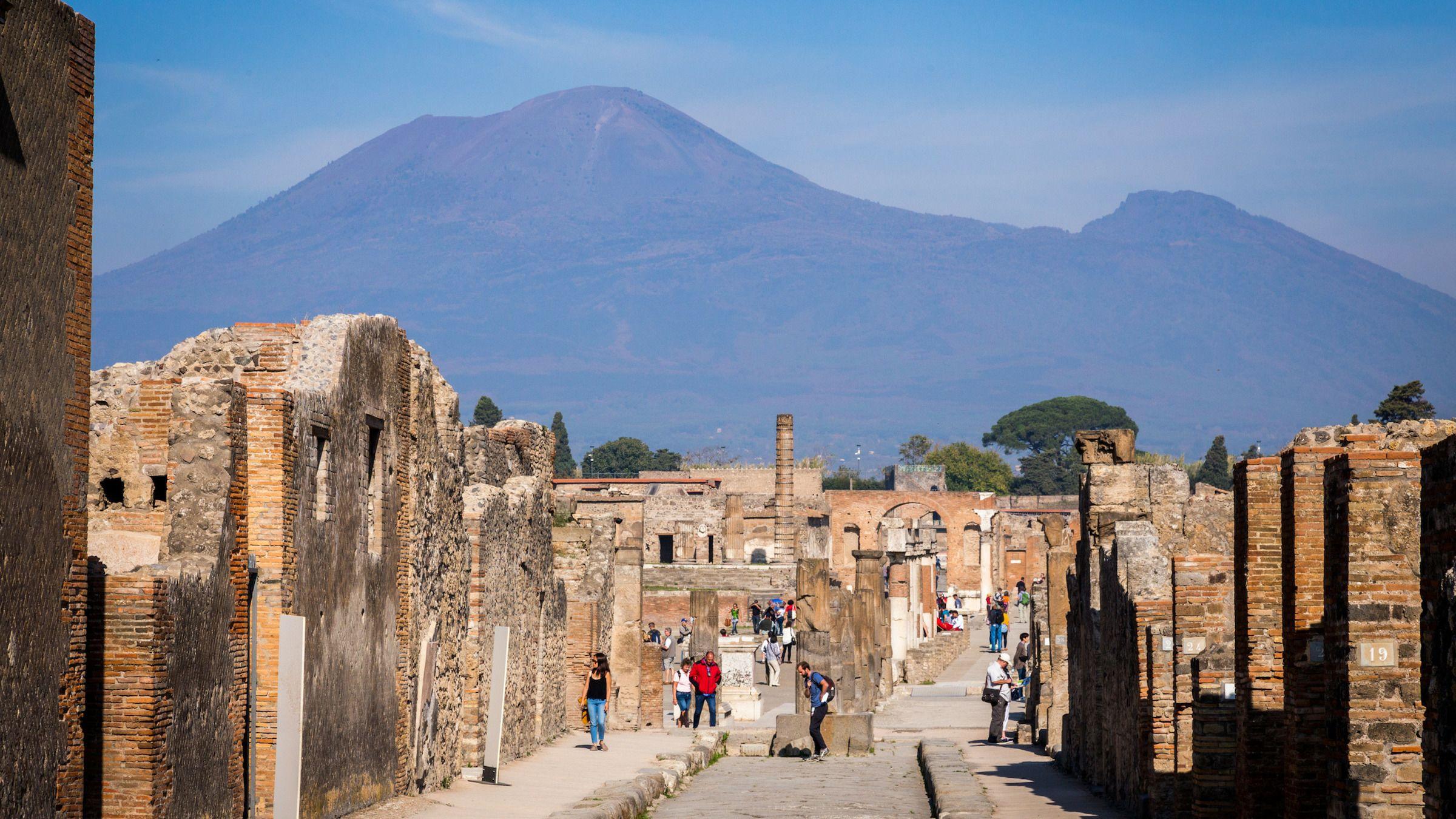 Spring-køen-over-tur til Pompeji og Vesuv: Heldagstur tilbage i tiden