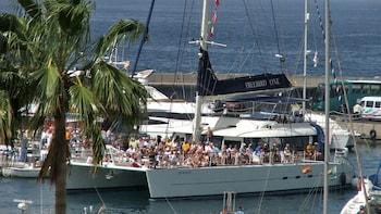 Coastal Cruise On board a Freebird Catamaran