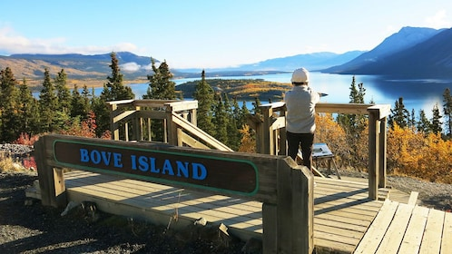 Bove Island sign and lookout