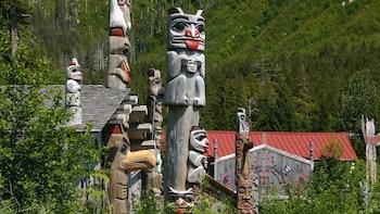 Potlatch Park Totem Poles, City & Wildlife Tour
