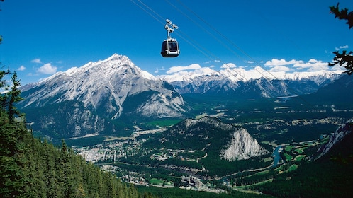 Gondola with view of the mountains in Banff