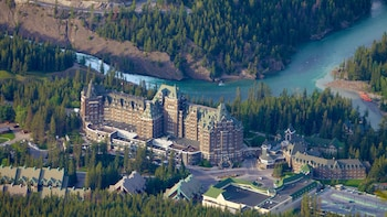 Banff Area 1-Day & Breathtaking Lake Visit Tour