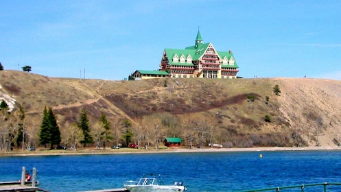 veiw of the lodging establishment on top of a hill in Canada