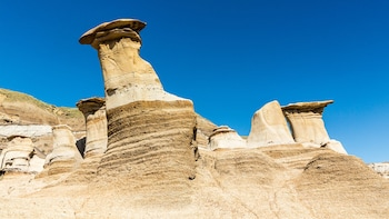 Drumheller & Horseshoe Canyon 1-Day Tour from Calgary