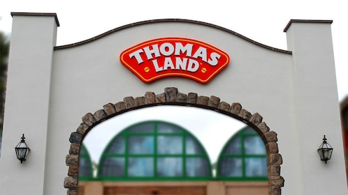 Thomas Land on the Enchanting Holiday Evening in Newport