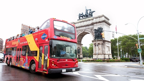Double decker bus in New York city