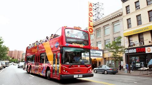 Bus tour next to the Apollo theater