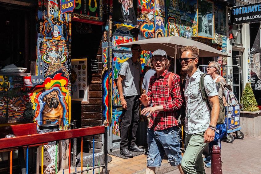 Apri foto 5 di 10. Amsterdam Private Red Light District Tour with a local