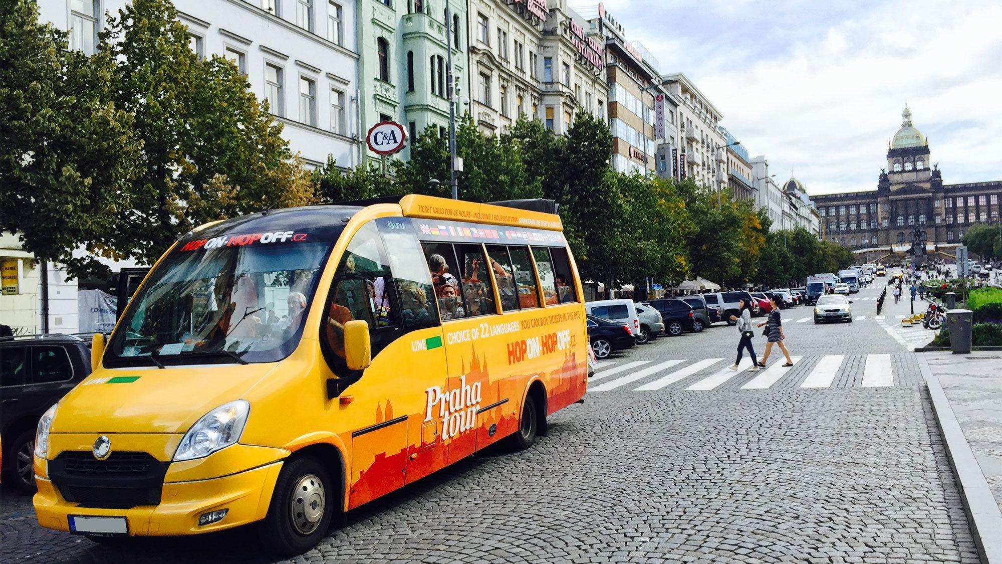 Hop-on-Hop-off-Sightseeing-Tour mit Audioführer