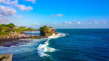 Private Monkey Forest Visit & Tanah Lot Sunset Tour
