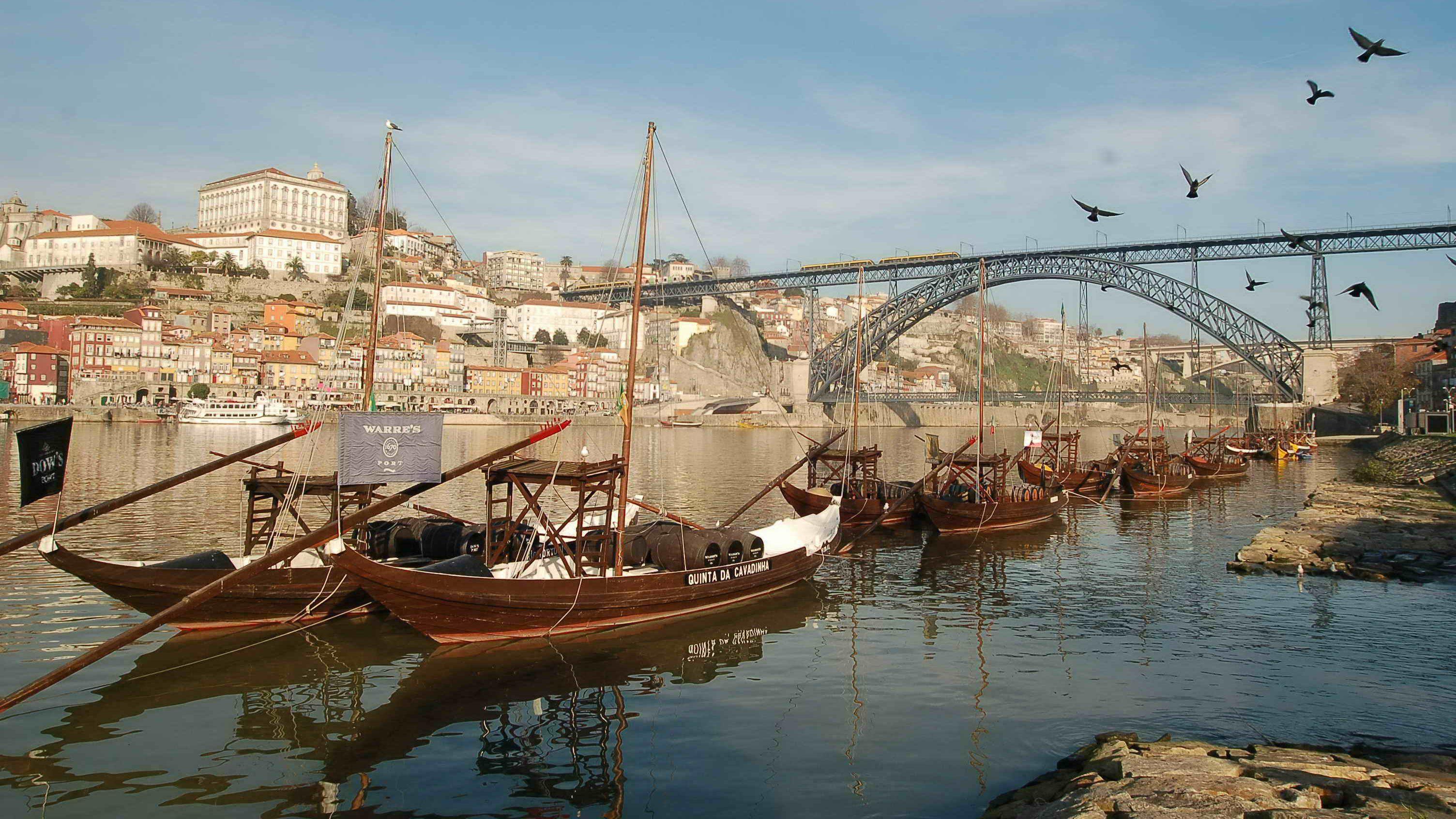 Visite privée dans la ville classée par l'UNESCO de Porto et dégustation de...