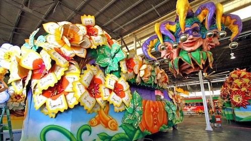 flower themed parade float in New Orleans