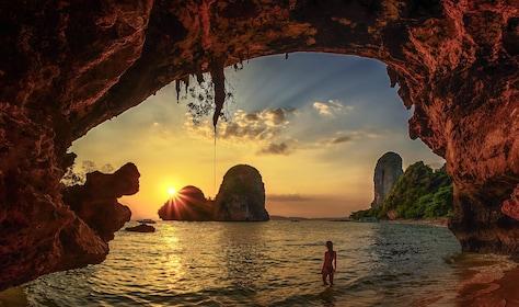 Krabi Islands Sunset Tour with Dinner & Bioluminescent Plankton