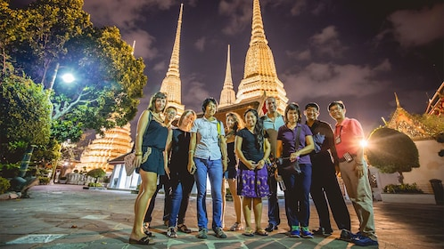 Group night tour of Bangkok