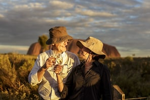 Full Day Uluru & Kata Tjuta Tour with Barbecue Dinner
