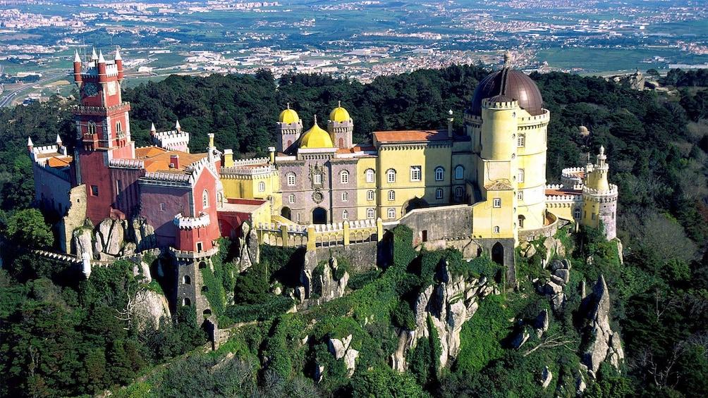 Foto 3 van 5. Stunning view of Sintra Portugal