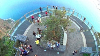 Amazing Skywalk, Cliff and Valleys Half Day 4x4 Tour