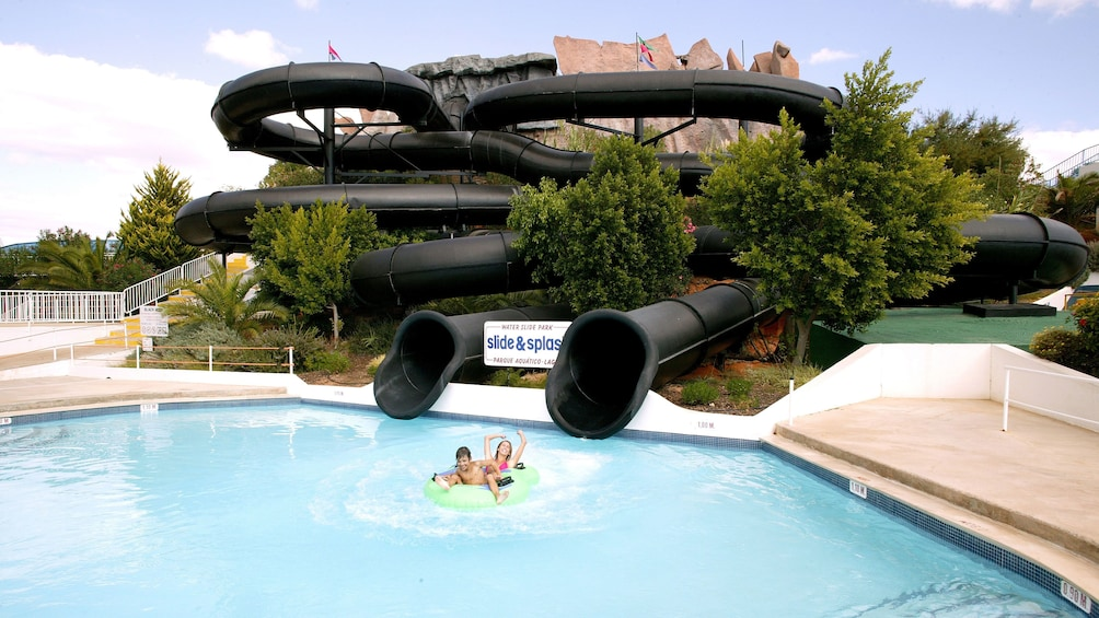 Foto 4 von 4 laden Waterslide at an amusement park in Algarve