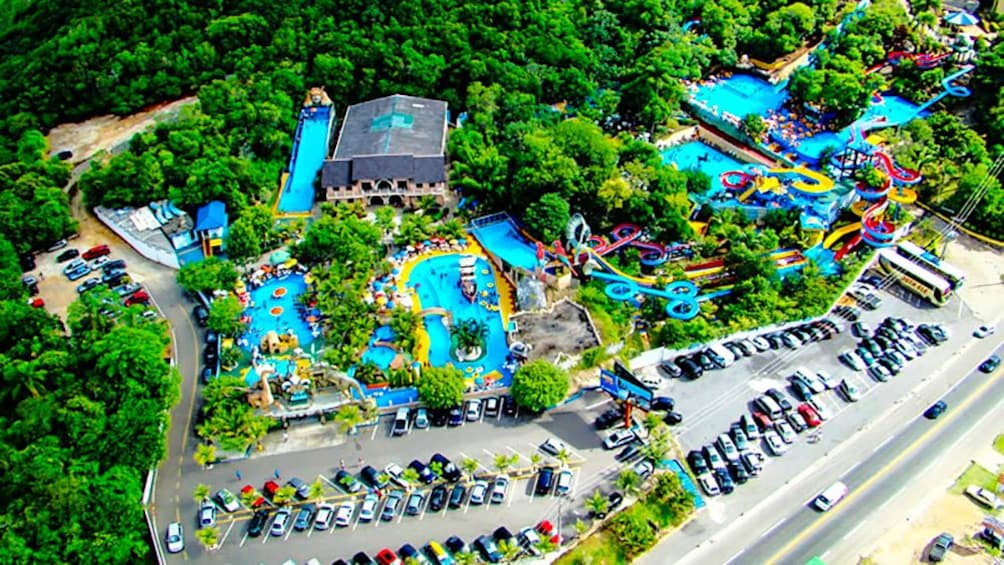 Charger l'élément 2 sur 8. Aerial view of Aquashow WaterPark in Portugal