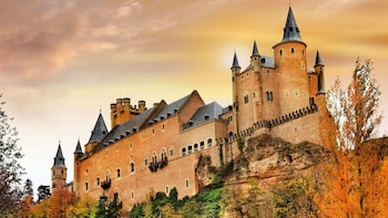 Avila & Segovia Guided Tour with Lunch Upgrade