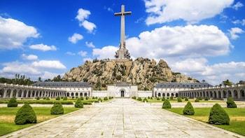 El Escorial y el Valle de los Caídos, desde Madrid