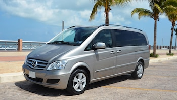 Private Minivan: Cancun & Riviera Maya to Isla Holbox