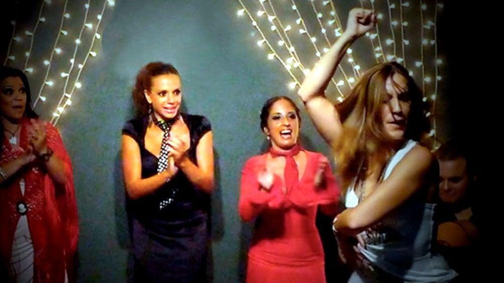 Foto 2 von 5 laden Flamenco dancers