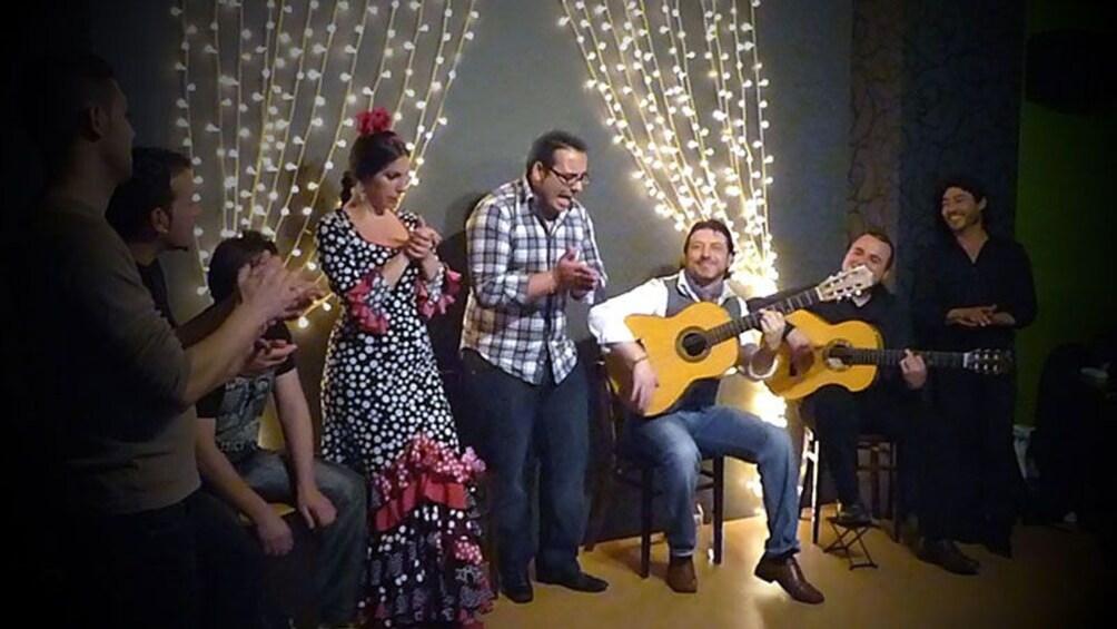 Foto 3 von 9 laden Flamenco show