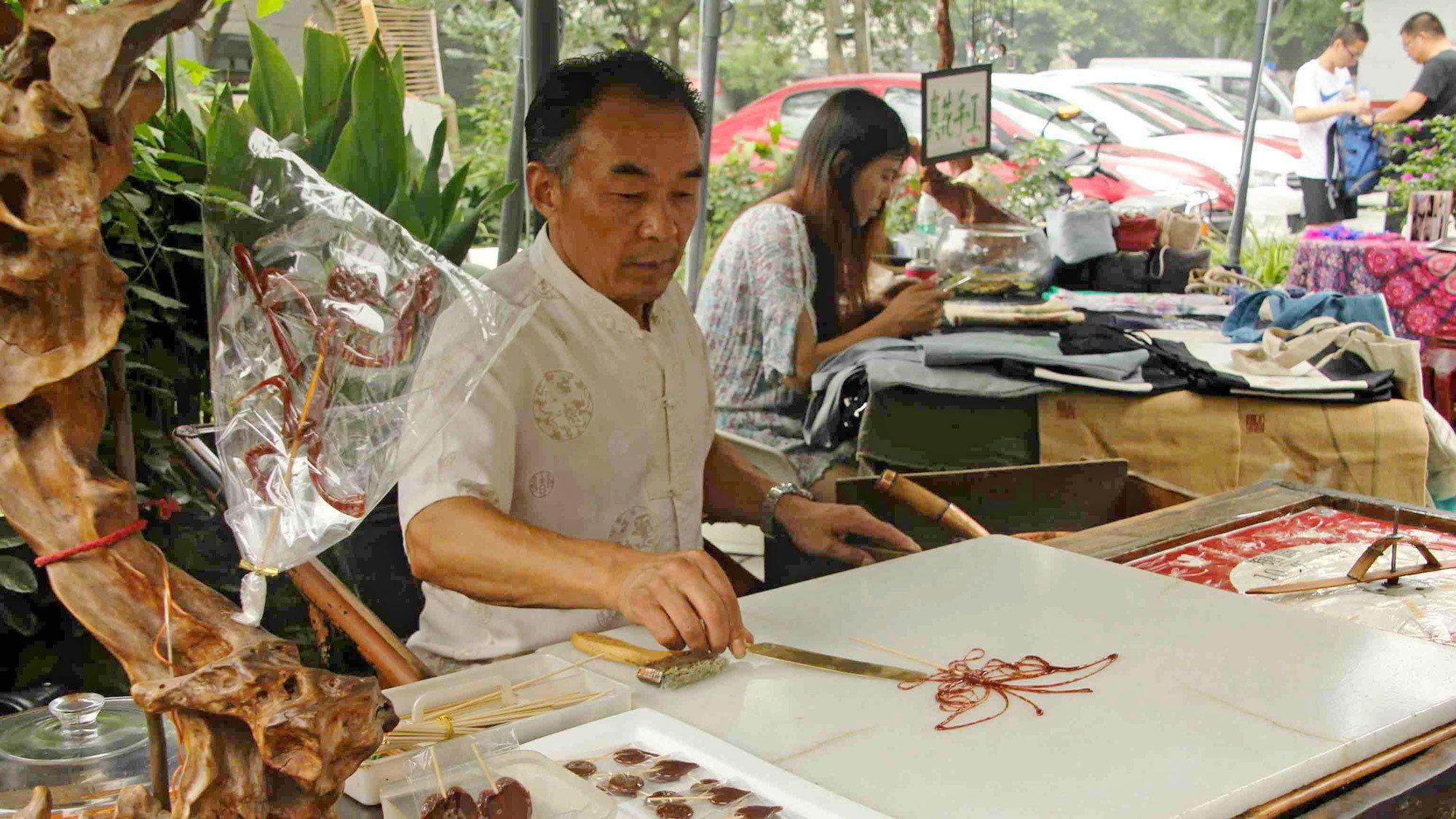 Man making art in Chengdu