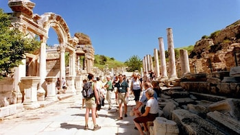Ephesus & House of Virgin Mary Full-Day Tour with Lunch
