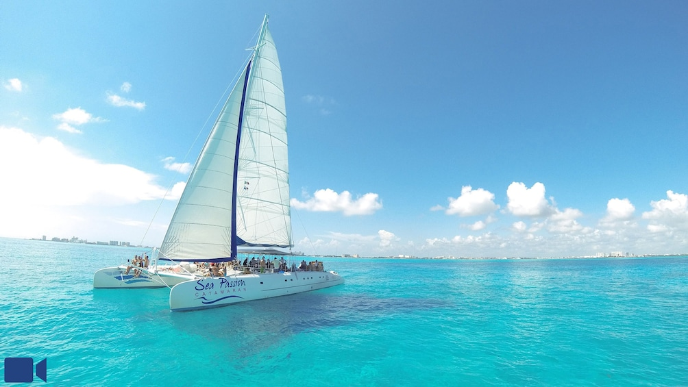 Isla Mujeres Catamaran Tour with Lunch & Open Bar
