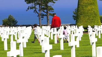 Day Trip from Paris : D-Day Landings & Normandy Battlefields