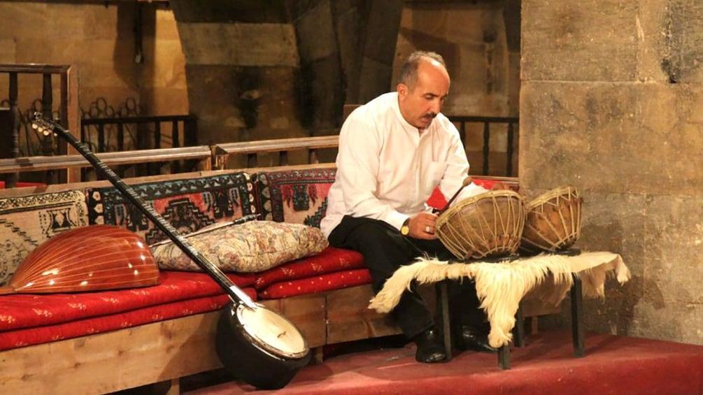 Charger l'élément 3 sur 5. Musician in a Turkish Theater