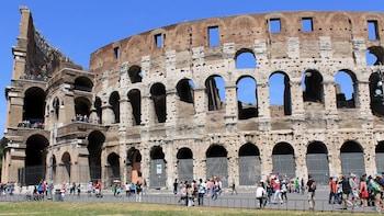 """Tour con ingresso """"salta la fila"""" del Colosseo e del Foro Romano,..."""