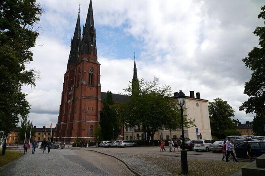 Uppsala's biggest attractions - 1h city walk in Uppsala city.