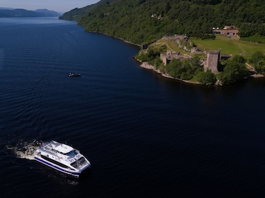 Loch Ness Cruise with Urquhart Castle & Loch Ness Centre Visit