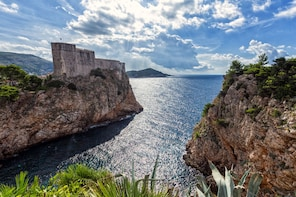 Game of Thrones: Full-Day Tour of Dubrovnik, Lokrum & Trsteno