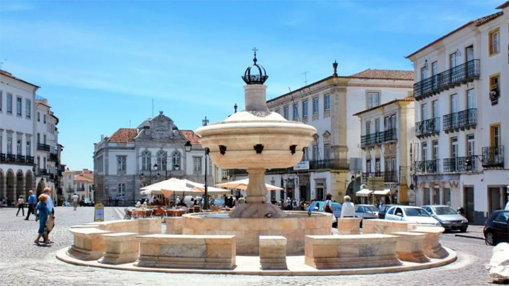 Show item 5 of 9. View of a square in Lisbon