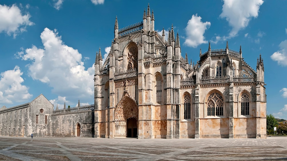 Show item 2 of 5. Monastery in Batalha