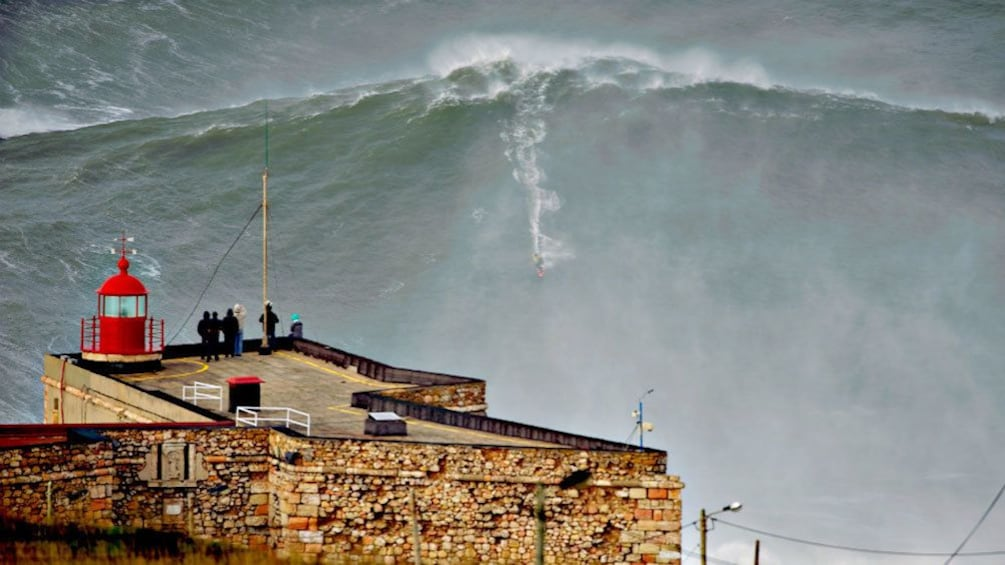 Show item 5 of 5. Giant waves on the coast of Nazaré