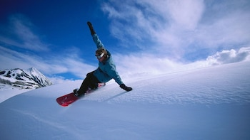 Crested Butte Snowboard Rental Package
