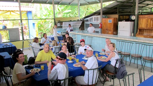 Group eating on the Damas Island Mangrove tour in Costa Rica