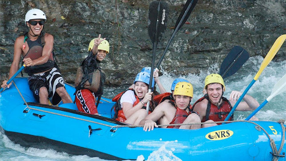 Whitewater Rafting on the Savegre River with Breakfast & Lunch