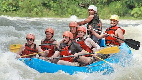 Close up view of a group on the Whitewater Rafting adventure in Savegre River