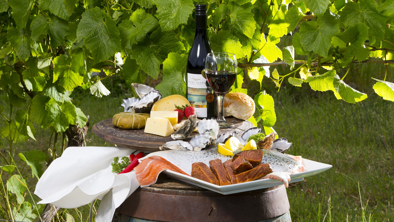 Bruny Island Gourmet Food & Wine Day Tour