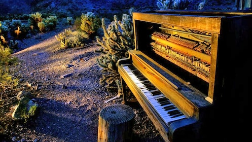 abandoned piano in the desert in Las Vegas