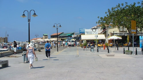 Shopping and restaurants near the coast in Cyprus