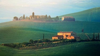 Small Groups - Typical Chianti Villages & San Gimignano