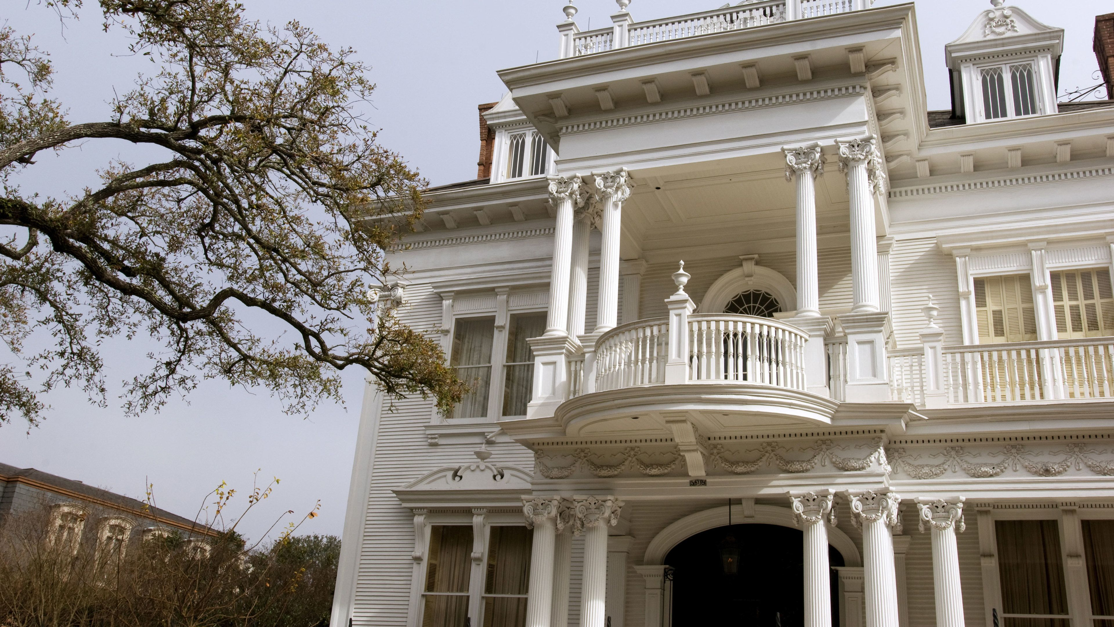 Historic mansion in the Garden District in New Orleans