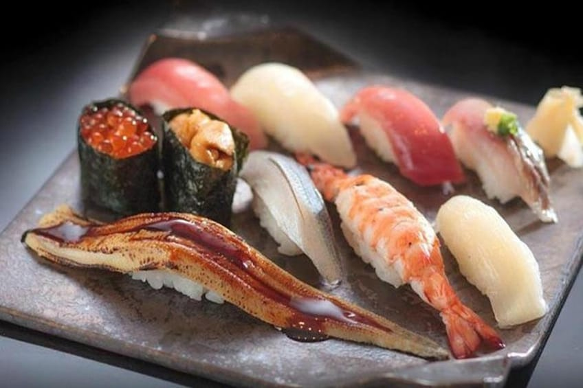 Sushi-Making Class with a Professional Chef in Roppongi